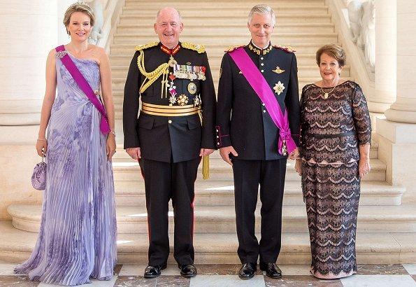 chic Mathilde visita del governatore australia