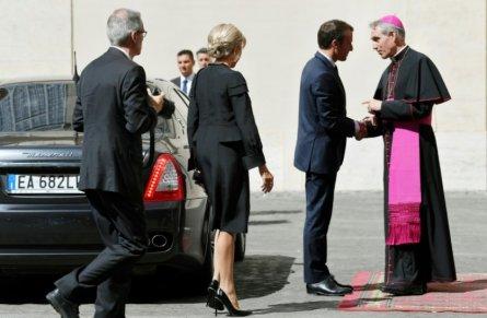 macron vaticano 2