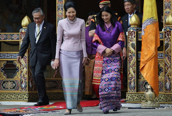 chic 4 Jetsun-Pema e first lady thai