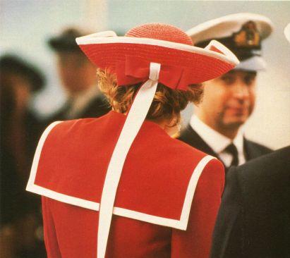 diana navy rosso cappello