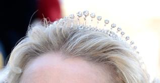 sayn tiara fringe piccola