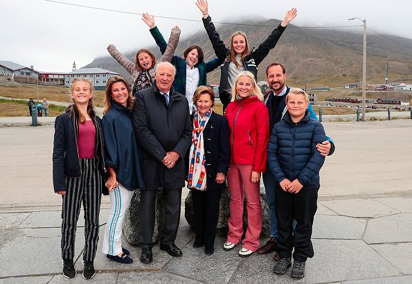 Norvegian Royal Family Svalbard University Center
