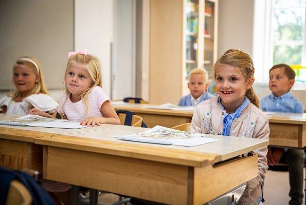 Princess-Estelle-a scuola