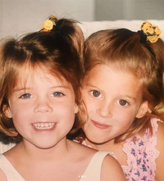 princess-eugenie-and-princess-beatrice-as-young-girls-z
