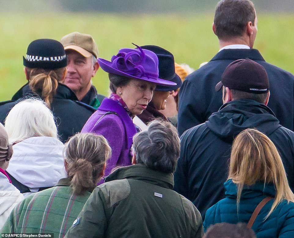 Princess_Anne_who_looked_respeldent_in_purple