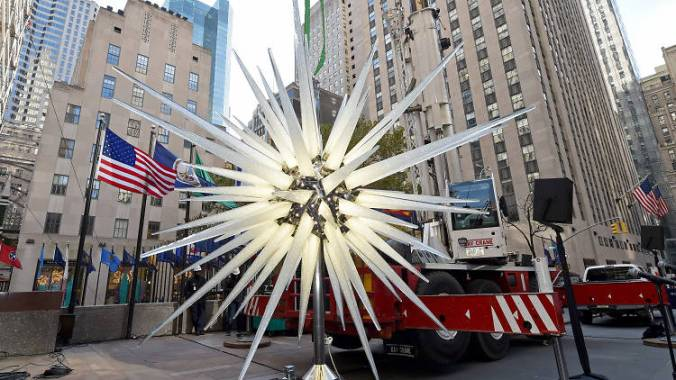 Rockefeller-Center-Christmas-Tree-Star-