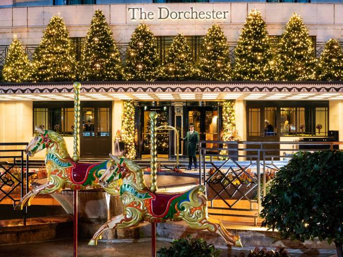 christmas-at-the-dorchester-2018-exterior