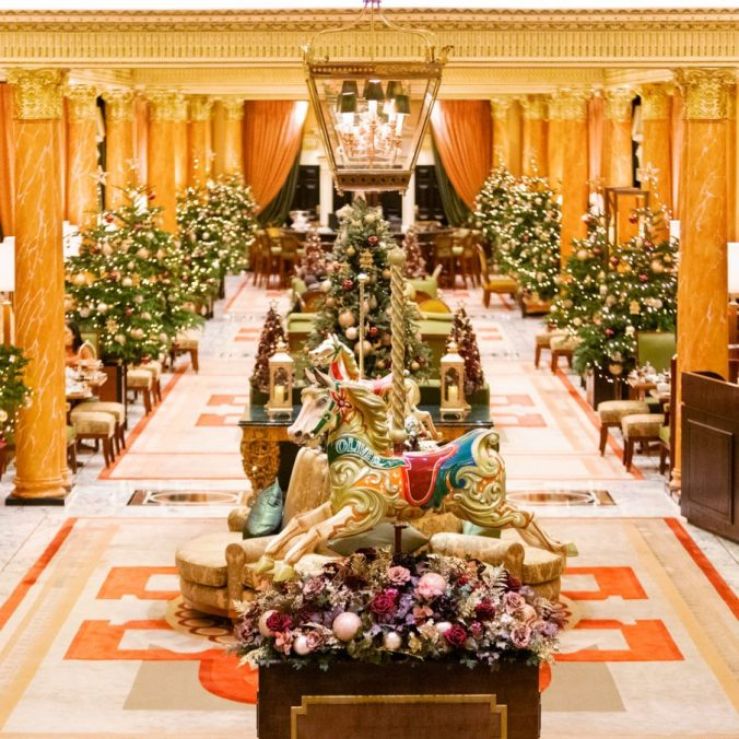 london-the-dorchester-christmas-decorations-interior-the-promenade-1200x1200-square-904x904