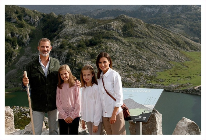 spanish-royal-christmas-card-2018-a.jpg
