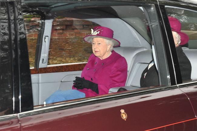 the-queen-royal-family-church-z