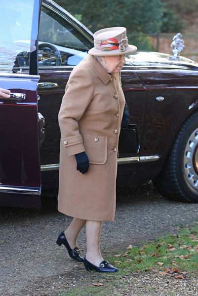 the-queen-attends-church-sandringham