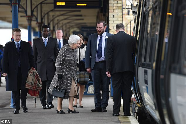 queen back from sandringham