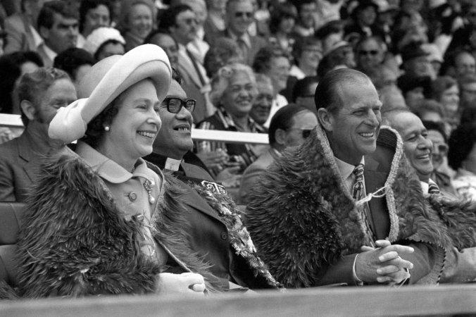 queen new zealand 1977