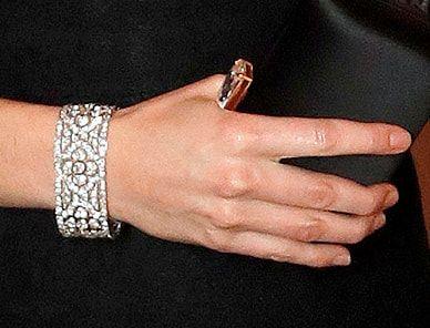 Queen's Quatrefoil bracelet