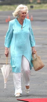 camilla-parker-bowles-blue-kaftan-white-trousers-z