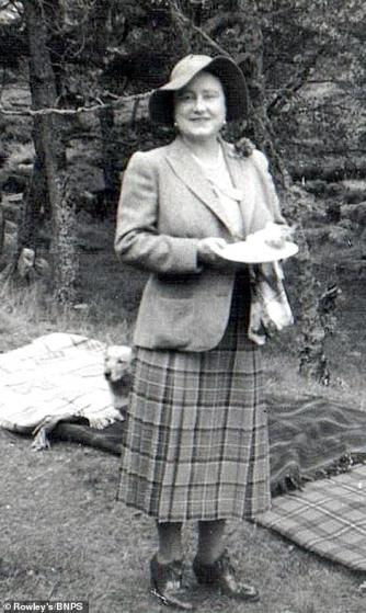 Queen mother picnic Balmoral