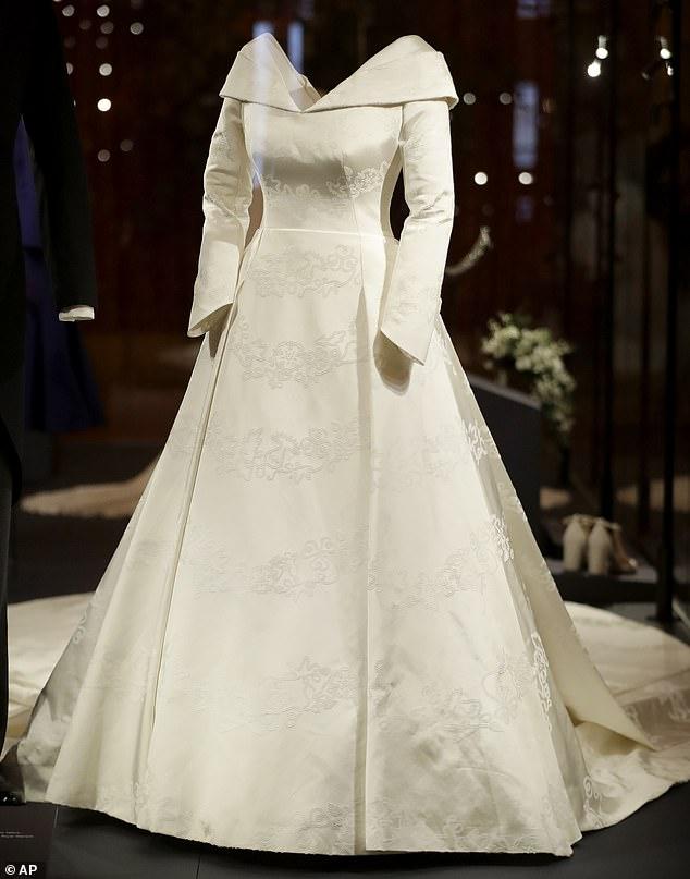 eugenie dress fabric