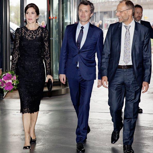 Mary-in-Dolce-Gabbana-1