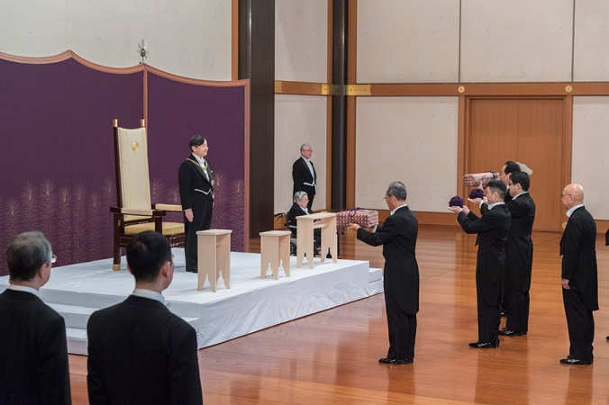 emperor-nahurito-ceremony-only-males-a