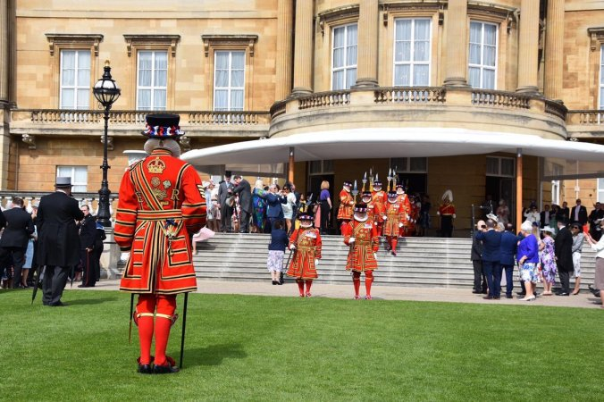 garden party beefeaters