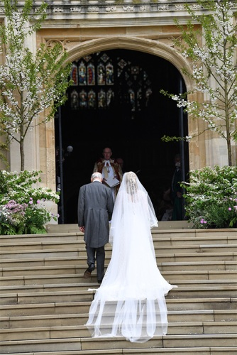 lady-gabriella-windsor-wedding-dress-back-of-dress-z