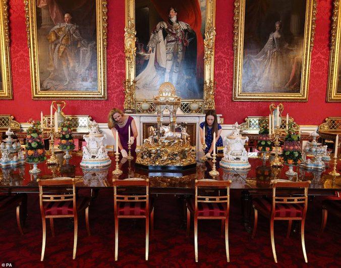 victoria exhibition table