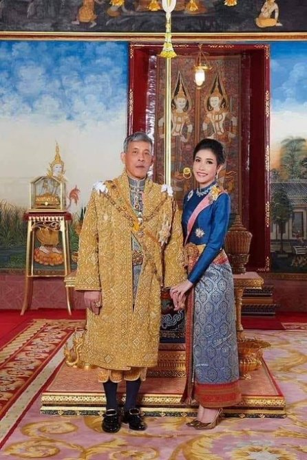 thai king new wife 3