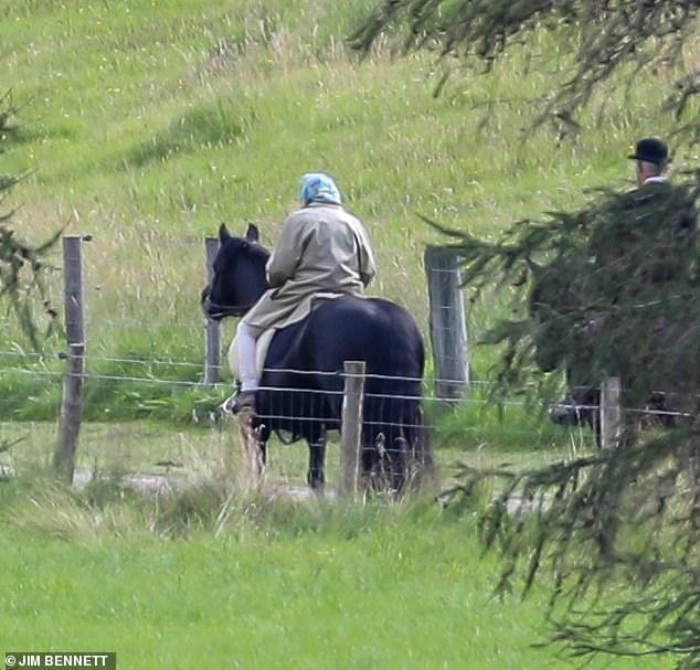 the queen riding balmoral
