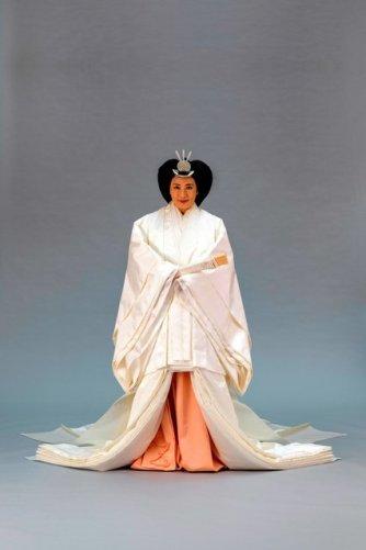 masako white jūnihitoe