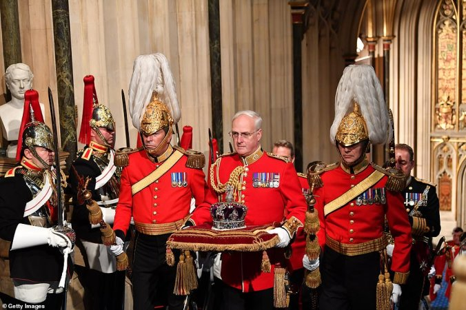 opening of parliament 2019 imperial state crown 2