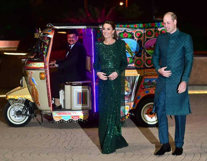 pakistan cambridges tuk tuk 2