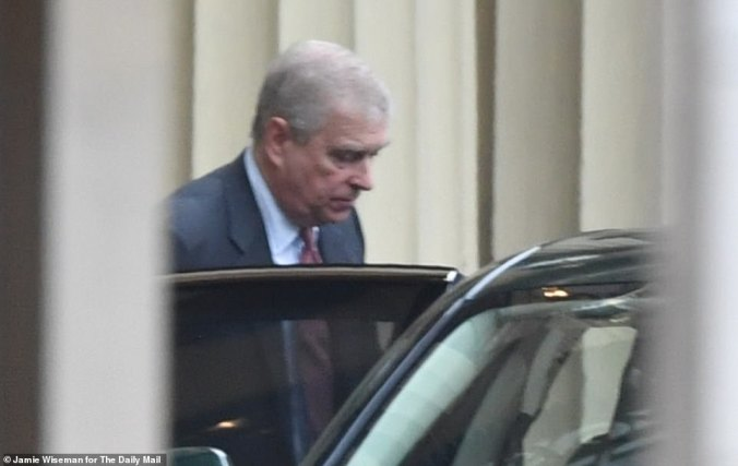 duke of york arriving at buckingham palace