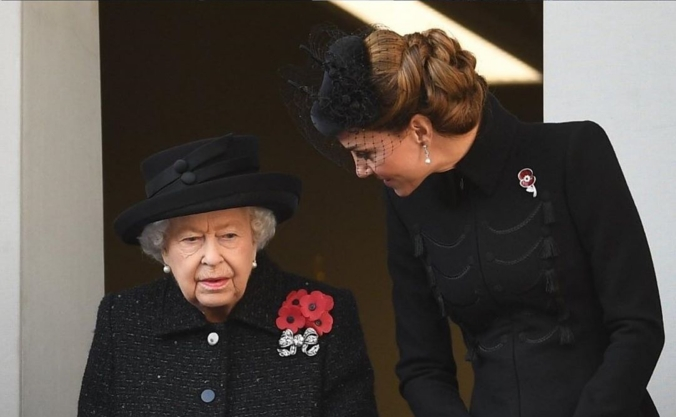 remembrance sunday 2019 the queen the duchess cambridge
