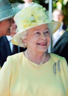 queen-victoria-wheat-ear-brooches 4